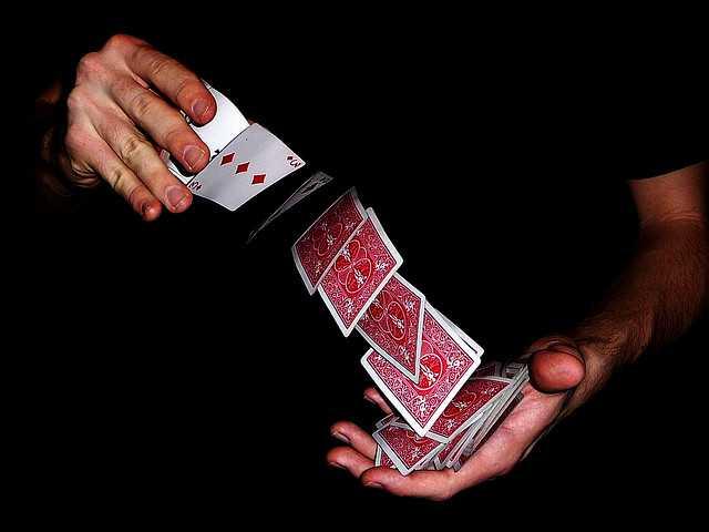 Làm thế nào để đối phó với các thủ thuật-làm thế nào để xáo trộn các thẻ